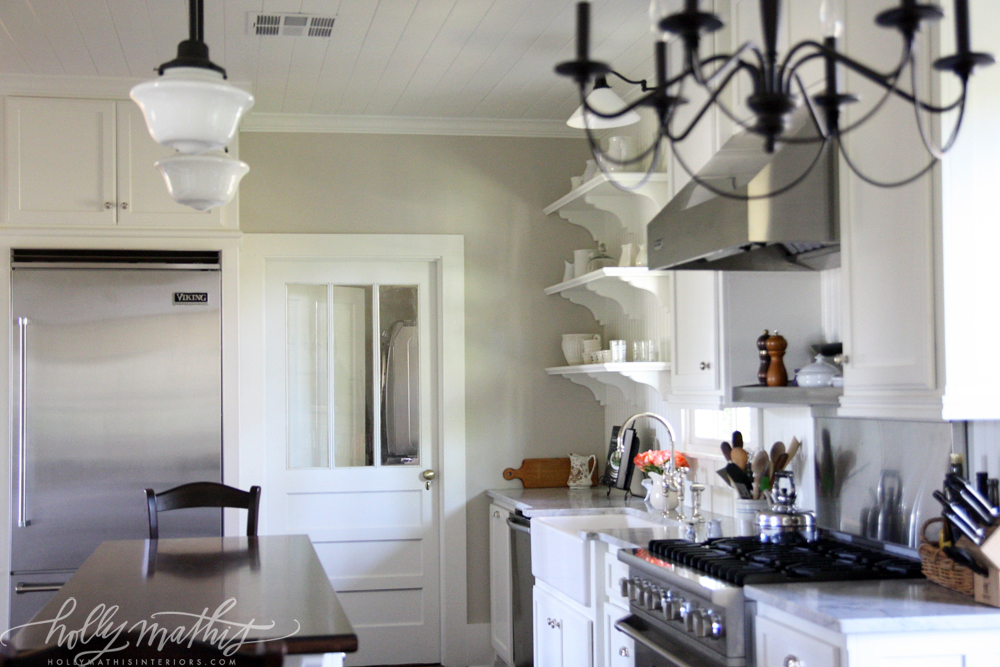 Farmhouse Kitchen Colors