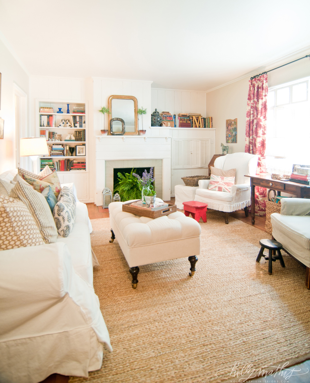 the old cottage The cottage has one bedroom with queen size bed and a newly installed en- suite shower room a charming living room with reed ceiling has a 4-seater  dining.