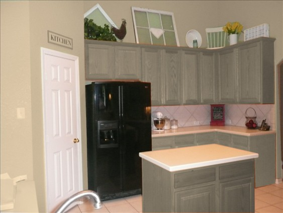 Painting Cabinets Holly Mathis Interiors - Grey kitchen cabinets with black appliances