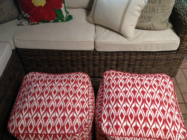 And this basket looking sturdy wicker design. Well I love it I must admit. Cushions are outdoor fabric but throw pillows are not. : pier one sectional - Sectionals, Sofas & Couches