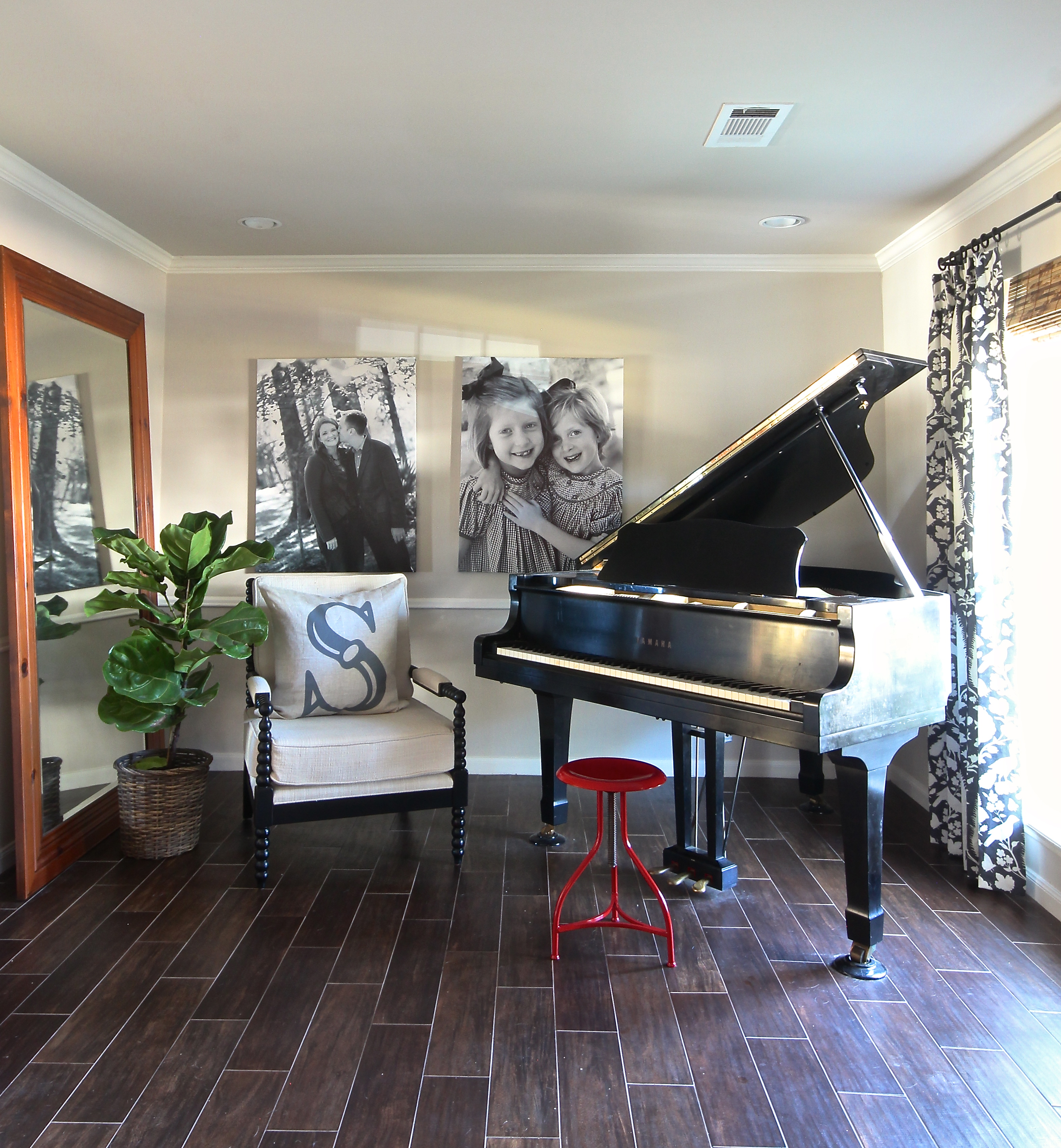 February 2014 holly mathis interiors - Piano for small space decoration ...